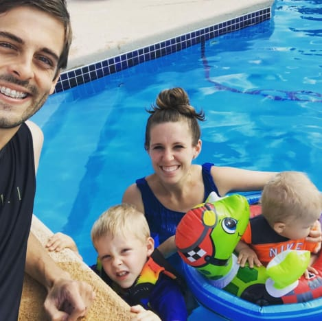 Jill Duggar Rocks Swimwear