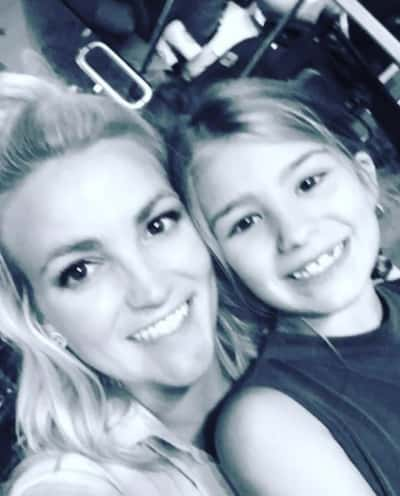 Jamie Lynn Spears and Daughter at Concert