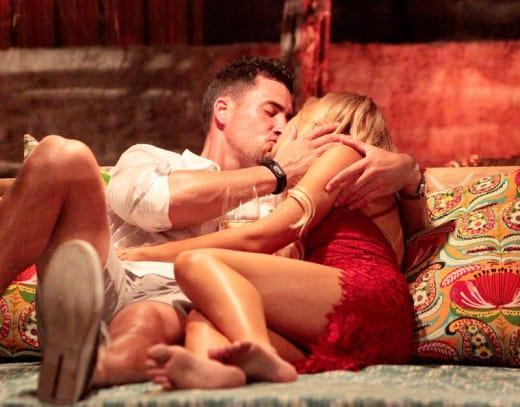 Josh Murray and Amanda Stanton Kiss!
