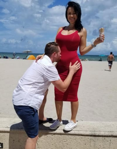 Paola Mayfield Pregnant Picture