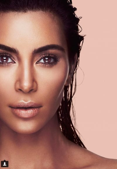 Kim Kardashian, Extreme Close-Up