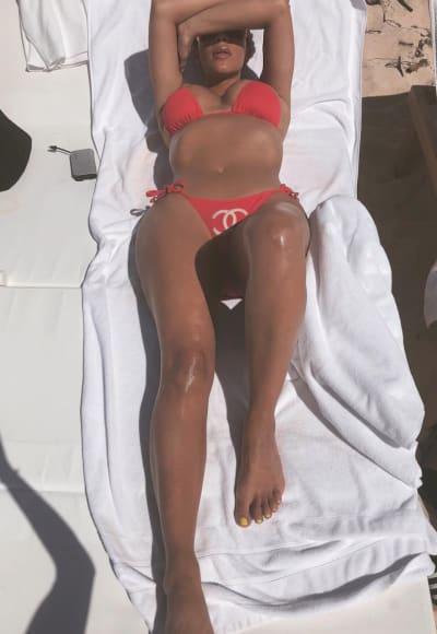 Kim Kardashian in the Sun