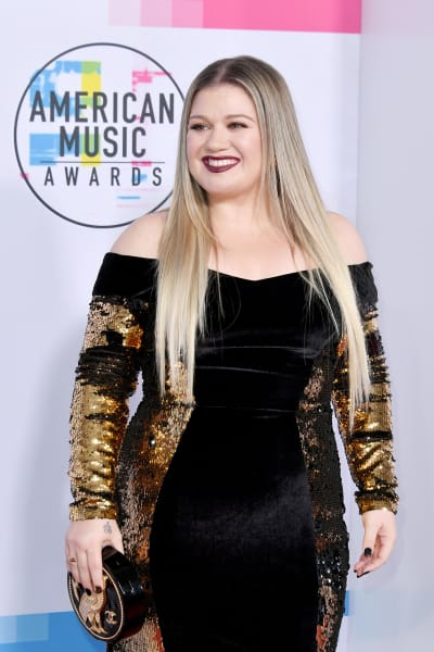 Kelly Clarkson at 2017 AMAs