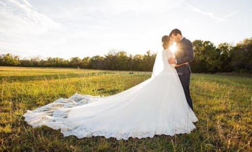 Jinger Duggar Wedding Dress Image