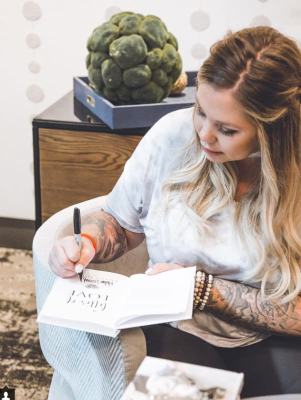 Kailyn lowry signs