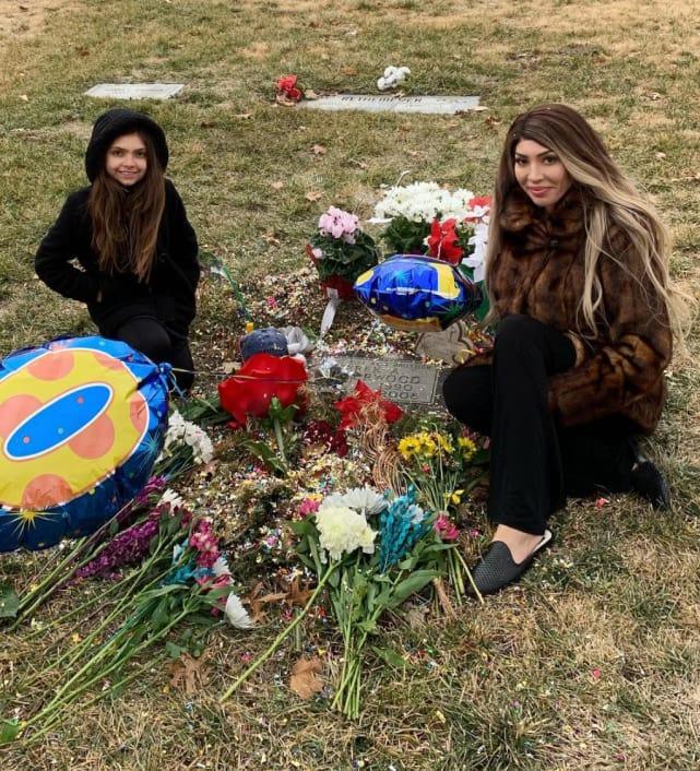Farrah abraham at the cemetery