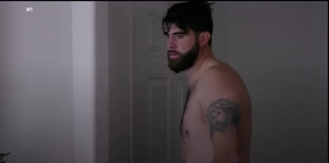 David eason allergic to shirts