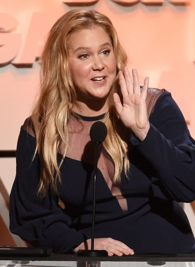 Amy Schumer Entertains