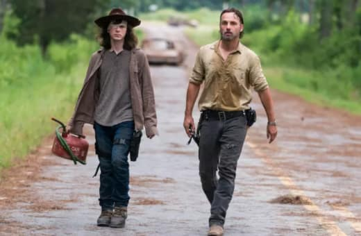 Carl and Rick Fight for Survival on The Walking Dead