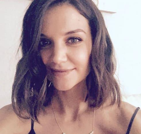 Katie Holmes Hair Selfie