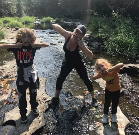 Kendra Wilkinson and Kids Make Silly Faces