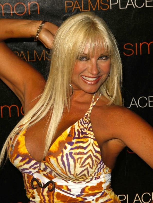 nude photos of linda hogan № 77147