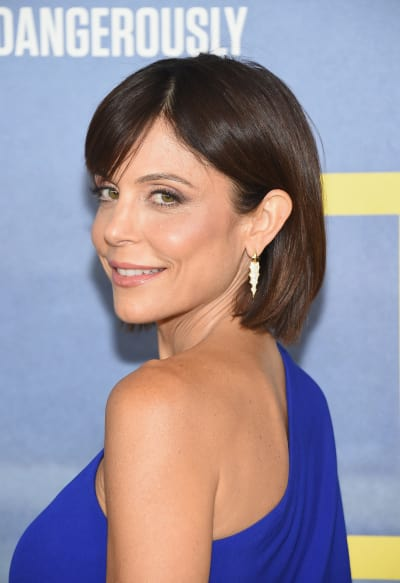 Bethenny Frankel Turns and Faces