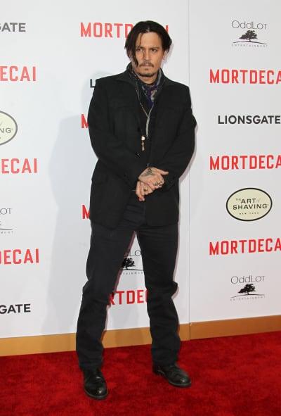 Johnny Depp: Wedding Ring Photo?