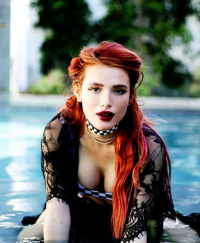 Bella Thorne, Cleavage by the Pool