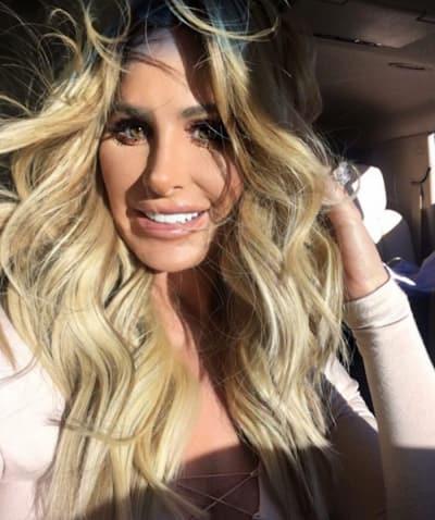 Kim Zolciak Crazy Hair