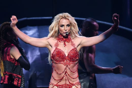 Britney Spears Performs Her Greatest Hits: 2016 Billboard Music Awards