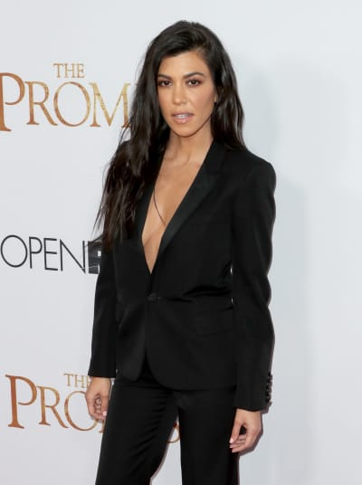Kourtney Kardashian, No Bra