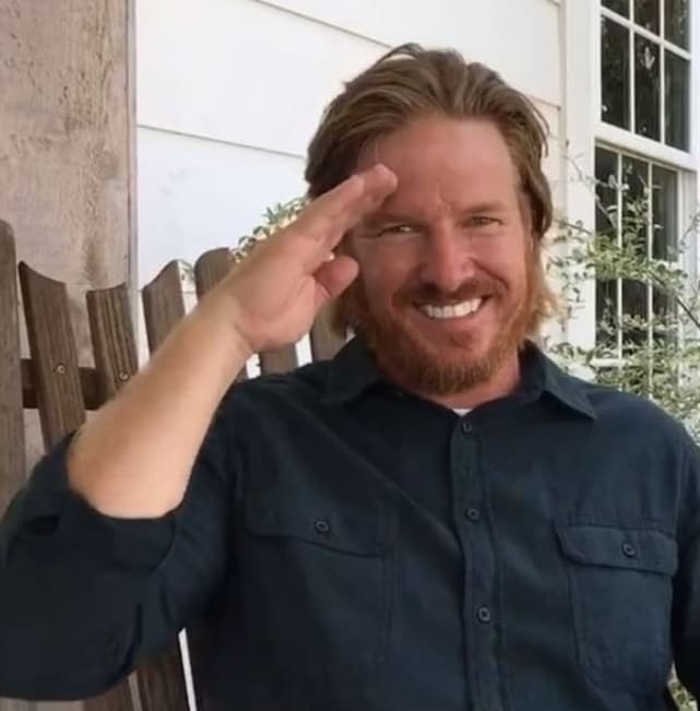 Chip gaines salute