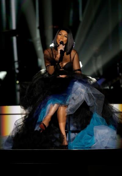 Tamar Braxton Sings