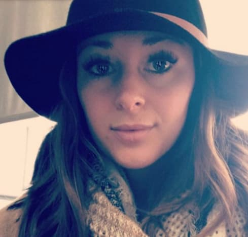 Jamie Otis in Hat