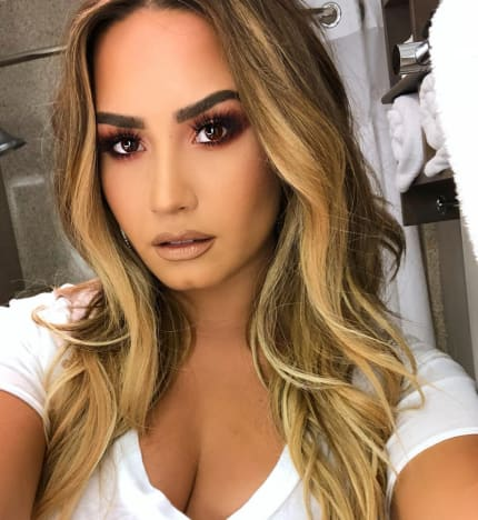 Demi Lovato with a Selfie