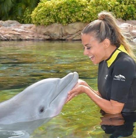 Jana Kramer and a Dolphin