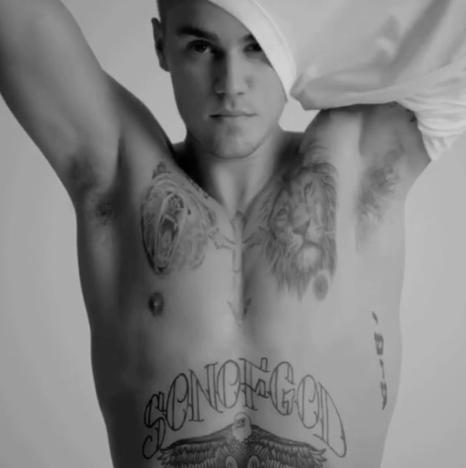 Justin Bieber Takes Off Shirt