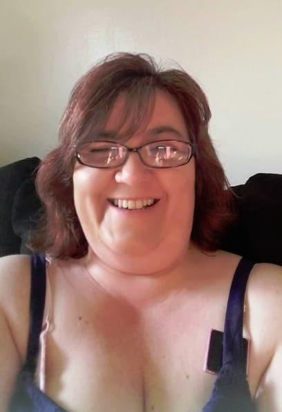 Danielle mullins selfie