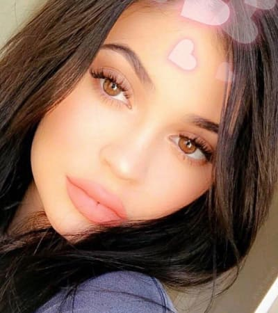 Kylie Jenner Hearts You