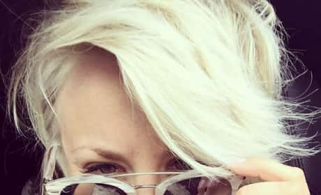 Kaley Cuoco-Sweeting Goes Platinum
