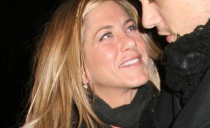 Cameron Diaz, Jennifer Aniston Compare Noses, Love Lives