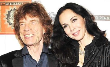 """Mick Jagger Statement on L'Wren Scott: Rocker """"Struggling to Understand"""" Tragedy"""