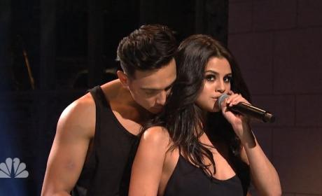 Selena Gomez Sexes It Way Up on Saturday Night Live