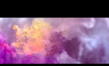 "Kelly Clarkson - ""Catch My Breath"" (Music Video)"