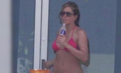 Jennifer Aniston Bikini Photos: Heating Up Cabo!