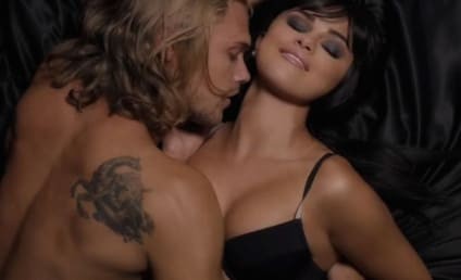 Is It Hot in Here? Or Is It Selena Gomez?!?