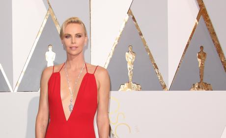 Charlize Theron at the 2016 Oscars