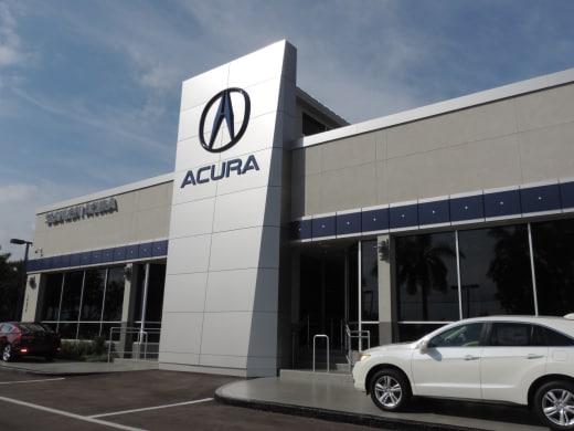 Acura Dealership Image