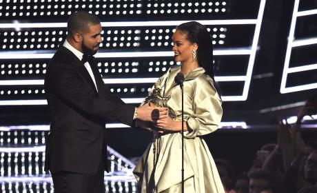 Drake GUSHES Over Rihanna at MTV VMAs