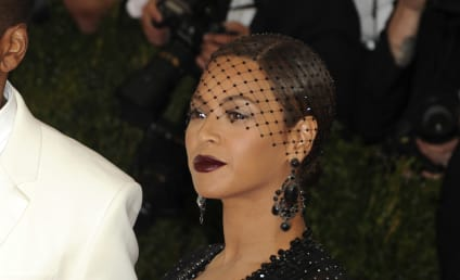 Beyonce Breaks Down Crying on Stage: Will She Leave Jay Z Before the End of Their Tour?