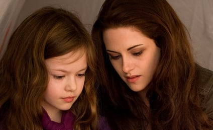 New Breaking Dawn Photo: Mother and Daughter!