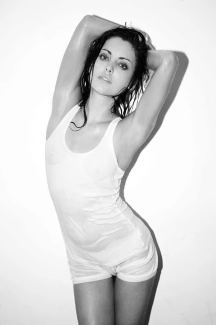 Jessica stroup nude
