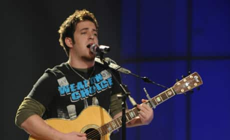 Lee DeWyze Performance Pic
