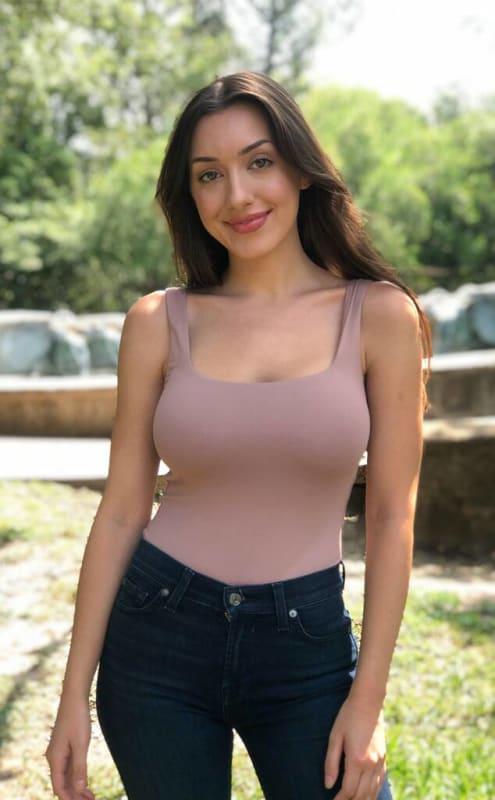 Alana, 26