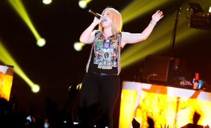 Clive Davis Fires Back at Kelly Clarkson