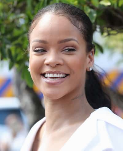 Rihanna, All Smiles