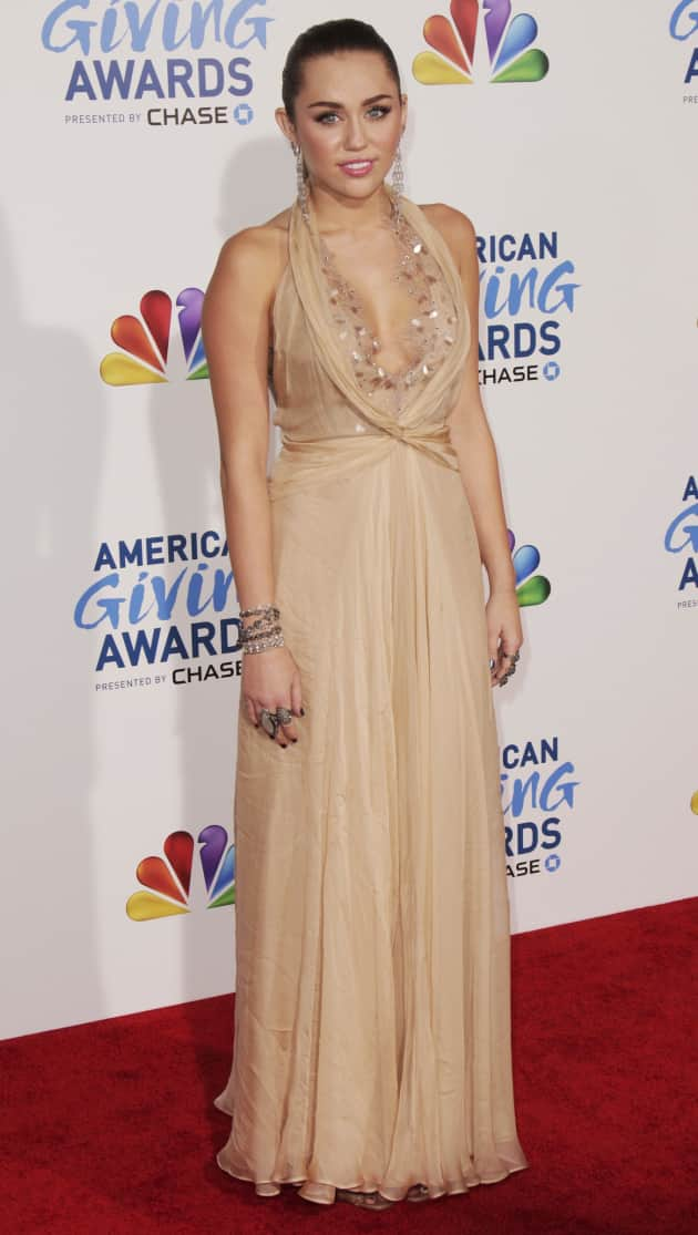 Miley Cyrus Red Carpet Pic