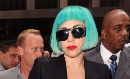 Lady Gaga to Learn Sign Language For Deaf Fans