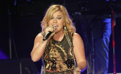Kelly Clarkson Slams Pregnant Rumors, Explains Desire to Elope